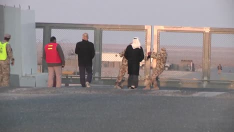 The-Last-Convoy-Out-Of-Iraq-Passes-Through-The-Khabari-Crossing-1
