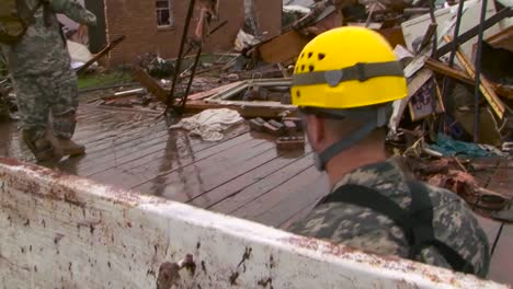Oklahoma-National-Guard-Perform-Search-And-Rescue-After-The-Devastating-Tornado-In-Moore-1