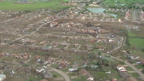 Aerial-Footage-Of-The-Moore-Oklahoma-Tornado-2
