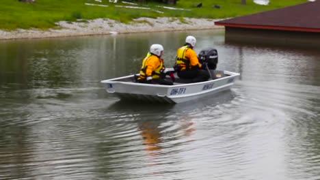 Los-Equipos-De-Búsqueda-Y-Rescate-De-La-Guardia-Nacional-Practican-En-Un-Vecindario-Inundado-Simulado