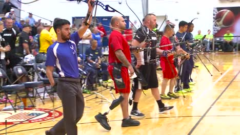 Handicapped-Servicement-Compete-In-Archery-1