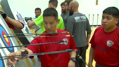 Handicapped-Servicement-Compete-In-Archery-2