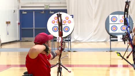 Handicapped-Servicement-Compete-In-Archery-3