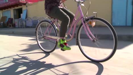 Women-Ride-Bicycles-In-Afghanistan