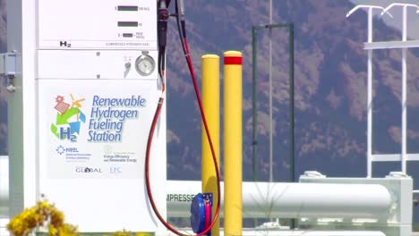 A-Vehicle-Is-Powered-And-Refueled-By-Renewable-Hydrogen-At-A-Futuristic-Filling-Station-At-The-National-Renewable-Energy-Laboratory-3