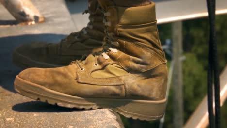 Mujeres-Y-Hombres-Reciben-Capacitación-Básica-En-El-Cuerpo-De-Marines-De-EE-UU-Incluida-La-Torre-De-Rapel-Y-La-Cámara-De-Gas-Venenoso