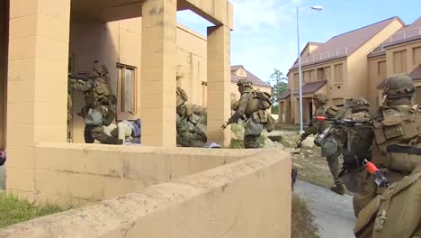 American-Army-Troops-Conduct-A-Mock-Terrorist-Sniper-Exercise-In-A-Model-Middle-Eastern-Village-5