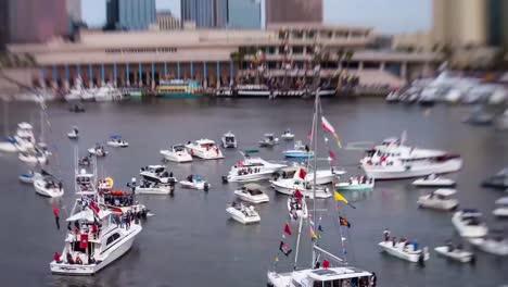 Time-Lapse-Tilt-Shift-Blur-Of-Crowds-Of-Motorboats-In-Tampa-Florida-Seddon-Channel