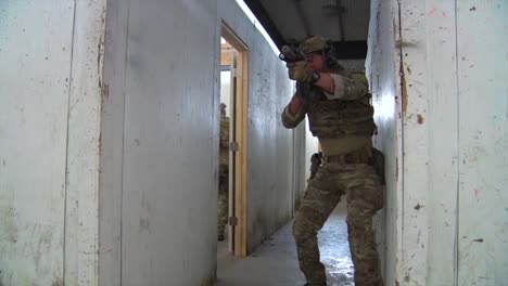 Troops-Practice-Urban-Warfare-And-Hostage-Rescue-In-A-Mock-Village-1