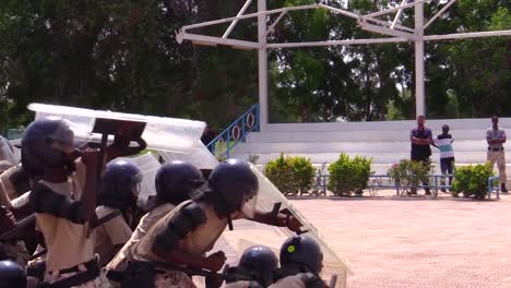 Somali-Police-And-Military-Train-To-Suppress-Terrorism-Rioting-And-Uprising-2