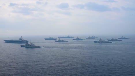 Una-Antena-Sobre-El-Grupo-De-Ataque-Estadounidense-Carl-Vinson-Que-Se-Mueve-A-Través-Del-Mar-De-Japón-1