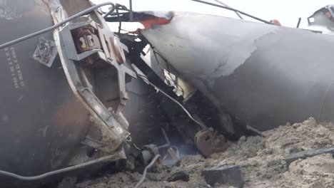 Field-Investigators-From-The-Ntsb-Investigate-An-Oil-Tanker-Train-Wreck-Crash-Near-Graettinger-Iowa-1
