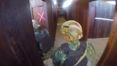 A-Us-Army-Assault-Team-Works-Together-In-A-Simulated-Hostage-Rescue-Situation