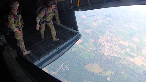 Special-Tactics-Airmen-Perform-Halo-Jumps-From-An-Mc130H-Flying-Over-Tennessee