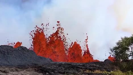 Amazing-Footage-Of-The-2018-Eruption-Of-The-Kilauea-Volcano-On-The-Main-Island-Of-Hawaii-1
