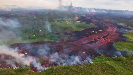 Excellent-Helicopter-Aerial-Of-The-Eruption-Of-The-Kilauea-Volcano