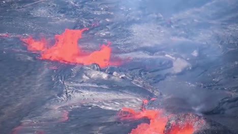 Lava-Flow-And-Bubbling-Gas-During-The-2018-Eruption-Of-The-Kilauea-Volcano-In-Hawaii-1