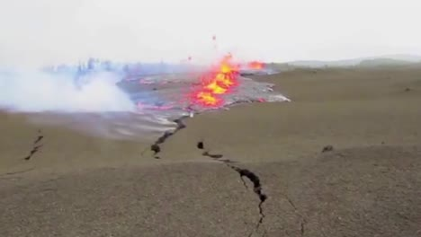 Lava-Erupts-From-A-Huge-Crack-In-The-Earth-The-2018-Eruption-Of-The-Kilauea-Volcano-In-Hawaii