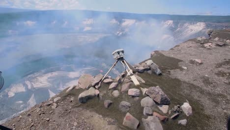 Researchers-Use-Precision-Equipment-At-The-Rim-Of-Kilauea-Volcano-To-Study-Magma-Flow-At-The-Lava-Lake-At-The-Hawaiian-Volcano-Observatory-Hawaii-5