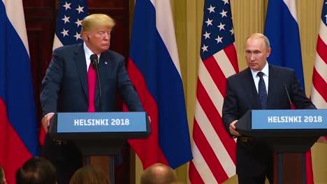 El-Presidente-De-Los-Estados-Unidos-Donald-Trump-Celebra-Una-Conferencia-De-Prensa-Desastrosa-Y-Muy-Criticada-Con-La-Federación-De-Rusia-Vladimir-Putin-Tras-Su-Cumbre-En-Helsinki-Finlandia-Putin-Dice-Que-Su-Agencia-De-Inteligencia-Interrogará-A-Mueller-1
