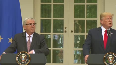 Us-President-Donald-Trump-At-A-Joint-Press-Conference-With-European-Commission-Jeanclaude-Juncker-At-The-White-House-Discusses-Trade-Policy-3