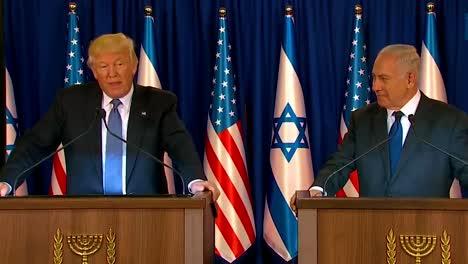 El-Presidente-Estadounidense-Donald-Trump-Y-El-Primer-Ministro-De-Israel-Benjamin-Netanyahu-Intercambian-Comentarios-Durante-La-Visita-Presidencial-A-Jerusalén-11