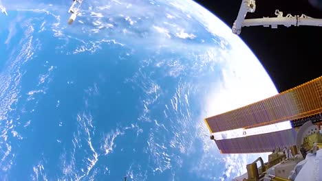 Images-From-A-Spacewalk-Outside-The-International-Space-Station