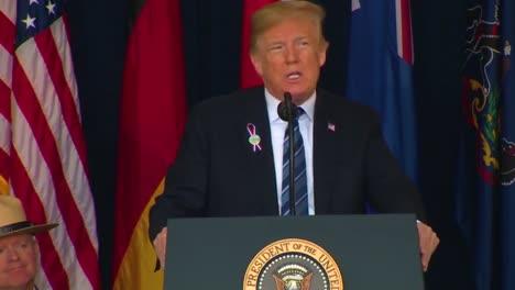 El-Presidente-Estadounidense-Donald-Trump-Habla-En-El-Memorial-Del-Vuelo-93-De-United-El-11-De-Septiembre-6