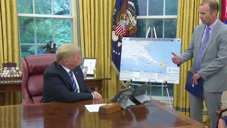 Us-President-Donald-Trump-Gets-A-Briefing-From-Fema-Chief-William-Brock-Long-On-The-Progress-Of-Hurricane-Florence-And-It-S-Threat-To-The-Us-Mainland-1