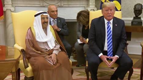 El-Presidente-Estadounidense-Donald-Trump-Se-Reúne-Con-El-Emir-Del-Estado-De-Kuwait-En-La-Casa-Blanca-