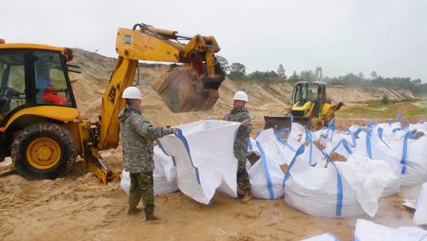 National-Guard-Troops-Prepare-Large-Sandbags-For-Use-In-Hurricane-Florence