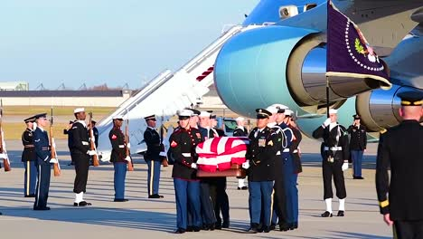 The-Coffin-Of-Us-President-George-Hw-Bush-Is-Taken-From-Air-Force-One-To-Be-Transported-To-His-Viewing-During-A-State-Funeral-2