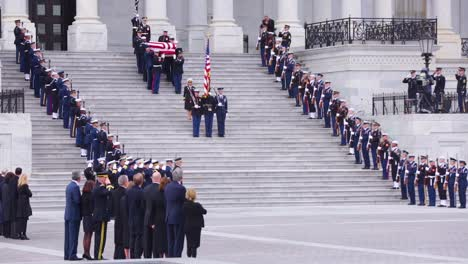 2018-Honor-Guard-Descend-The-Steps-At-The-Us-Capitol-Building-With-Flag-Draped-Coffin-During-The-State-Funeral-For-President-George-H-W-Bush