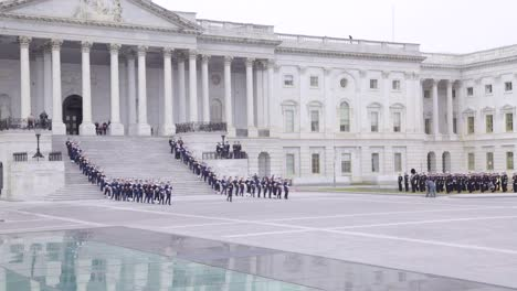 2018-Honor-Guard-Descend-The-Steps-At-The-Us-Capitol-Building-With-Flag-Draped-Coffin-During-The-State-Funeral-For-President-George-H-W-Bush-2