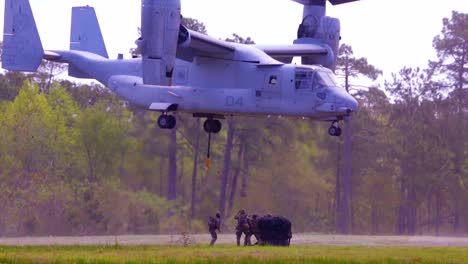 Us-Marines-With-Combat-Logistics-Battalion-22-(Clb22)-Conduct-Helicopter-Support-Team-Training-With-An-Mv22-Osprey-At-Camp-Lejeune-Nc