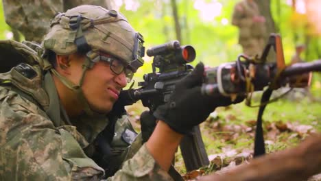 Us-Marines-Engage-In-Jungle-Warfare-Training-In-The-Forest-With-Camouflage-And-Rifles-1