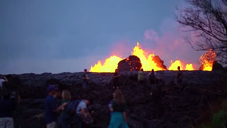 The-Kilauea-Volcano-Erupts-At-Night-With-Huge-Lava-Flows
