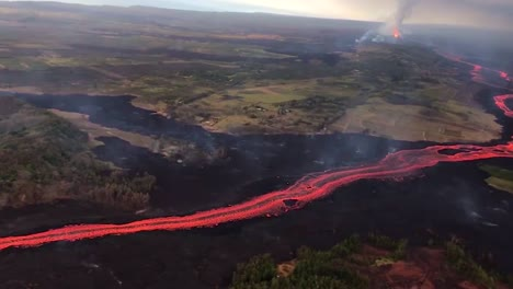 Aerial-Over-The-Kilauea-Volcano-Erupting-With-Huge-Lava-Flows