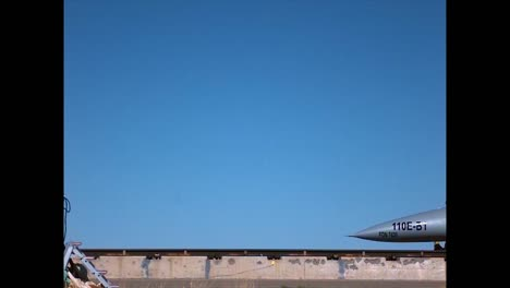Die-Holloman-Highspeed-Teststrecke-Dient-Zum-Testen-Von-Schleudersitzen-Und-Auswurfmechanismen-Von-Prototypflugzeugen-Mit-Crashtest-dummies