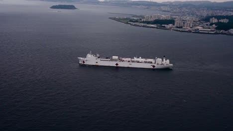 Antena-Del-Buque-Hospital-Del-Comando-De-Transporte-Marítimo-Militar-Usns-Mercy-(tah-19)-Sale-Comandante-Actividades-De-La-Flota-Yokosuka-Japón-2