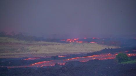 The-Kilauea-Volcano-On-The-Big-Island-Of-Hawaii-Erupting-With-Huge-Lava-Flows-1