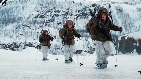 Norwegian-Army-Soldiers-Exercise-Ground-Tactics-In-The-Winter-In-Snow-Using-Skis-And-Snowshoes