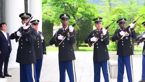 Ceremonia-De-Repatriación-De-Los-Héroes-De-La-Guerra-De-Corea-El-Funeral-Militar-Completo-Incluye-21-Saludos-Con-Armas
