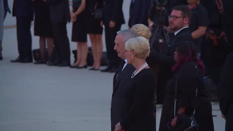Senator-John-Mccain-Formal-Funeral-Procession-Flag-Draped-Coffin-Carried-By-Soldiers