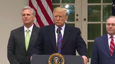 US-Präsident-Donald-Trump-Gibt-Eine-Erklärung-Zum-Shutdown-Der-Regierung-Ab-Und-Wie-Lange-Er-Vielleicht-Monate-Oder-Jahre-Dauern-Wird