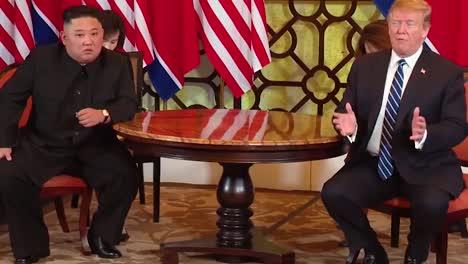 US-Präsident-Donald-Trump-Trifft-Sich-Mit-Dem-Nordkoreanischen-Präsidenten-Kim-Jong-Un-Bei-Einem-Gipfeltreffen-In-Vietnam-3