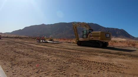La-Fotografía-De-Lapso-De-Tiempo-Muestra-A-Los-Ingenieros-Del-Ejército-Estadounidense-Construyendo-El-Muro-Fronterizo-Cerca-De-Calexico-California