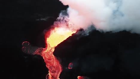 Imágenes-Aéreas-Muestran-Lava-Fluyendo-Después-De-Una-Erupción-Volcánica-En-Hawaii