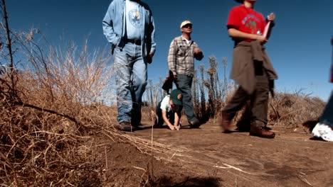 Ein-Ranger-Führt-Eine-Tour-Durch-Das-San-Francisco-Bay-National-Wildlife-Refuge