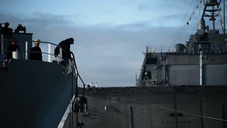 Un-Barco-De-La-Marina-Canadiense-Atraca-En-San-Diego-Y-La-Cocaína-Incautada-Se-Retira-Del-Buque
